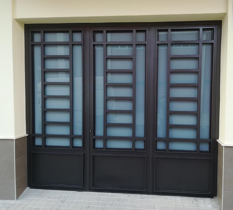 Puertas de garaje carpinter a met lica mayfer s l for Puerta garaje metalica